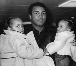الوزن الثقيل بطل الملاكمة محمد علي (صور 13)