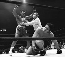 الوزن الثقيل بطل الملاكمة محمد علي (صور 14)
