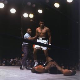 الوزن الثقيل بطل الملاكمة محمد علي (صور 11)