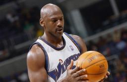 نجم كرة السلة مايكل جوردان (صور 2)
