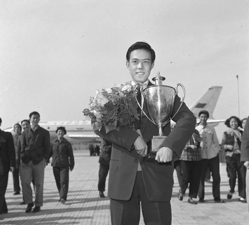 بطل تنس الطاولة رونغ Guotuan (صور 1)