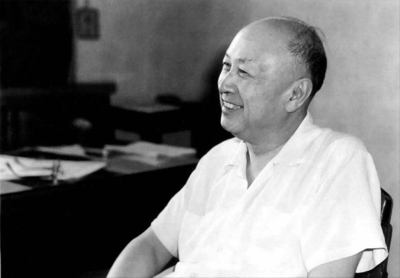 والد الفضاء الصين تشيان شيويسن (ورق جدران 6)