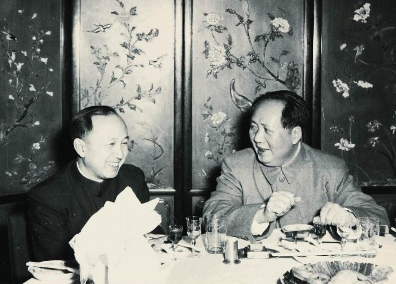 والد الفضاء الصين تشيان شيويسن (ورق جدران 2)