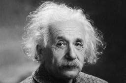 الفيزيائي ألبرت أينشتاين (صورة 4)
